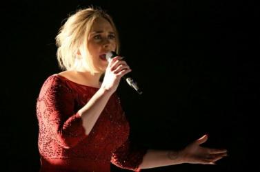 Adele öt év után először koncertet ad Londonban