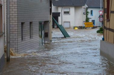 Összeomlott több ház Németországban, sokan eltűntek
