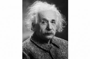 Elképesztő pénzt fizettek Einstein kézzel írt egyenletéért