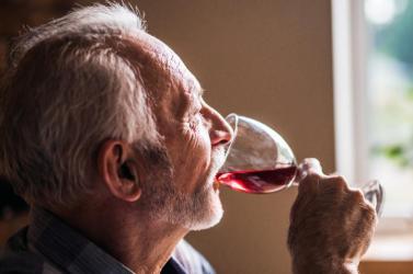 A rákos megbetegedések négy százaléka köthető az alkoholfogyasztáshoz