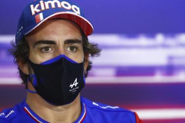 Szendvicspapír tette tönkre Alonso visszatérését a Forma-1-es Bahreini Nagydíjon