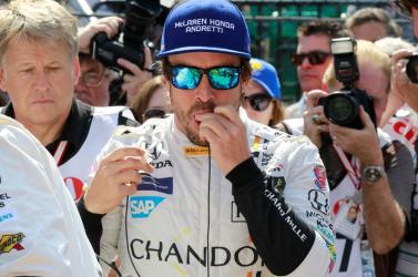 Fernando Alonso két napig a szomszédban készült a Dakar-ralira