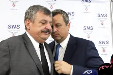 Danko és Hrnko pályáznak az SNS elnöki posztjára