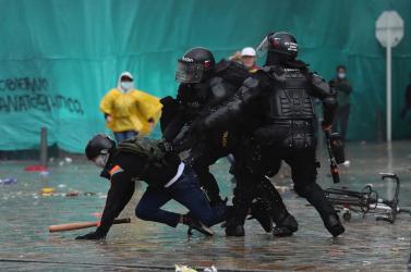 Negyvenkét emberhalt megeddig a kolumbiai tüntetések során