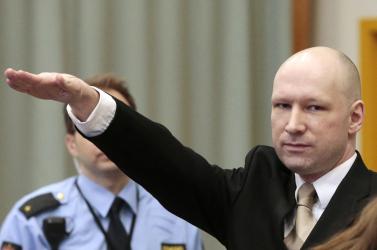 A tömeggyilkos Breivik pert nyert a norvég állammal szemben - Megsértették emberi jogait!