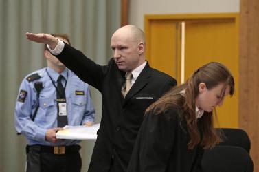 Breivik szerint kizárólag náci nézetei segítik átvészelni a börtönéletet