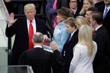 Trumpnak több tisztelettel kell kezelnie a nőket