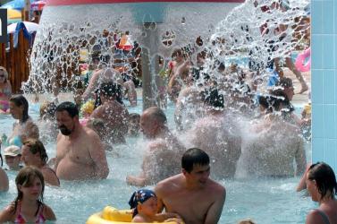 Állami támogatást kérnek a fürdők és az aquaparkok