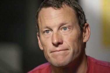 Mégsem lesz per, Lance Armstrong ötmillió dollárt fizet az amerikai kormánynak