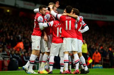 Tizenegyesekkel az Arsenal nyerte az angol Szuperkupát