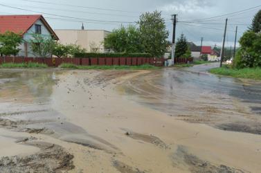 Árvízveszélyre figyelmeztetnek a meteorológusok, már az Érsekújvári járásban is!