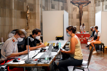 Bécsben ismét szigorítanak a vírus delta variánsa miatt