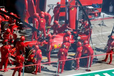 FORMA-1: Nem tartotta be a Ferrari a koronavírus miatt hozott intézkedéseket