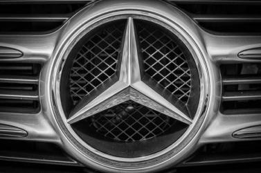 A Mercedes sem szállít motorokat jövőre a Forma 1-es Red Bull csapatnak