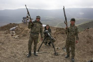 Folytatódnak a harcok az azeri és az örmény erők között, az azeriak mozgósítanak