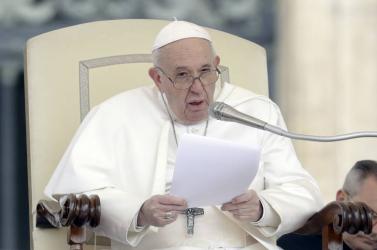 A pápa elítélte a fegyveres konfliktusokat, és méltányos vakcinaelosztást kért