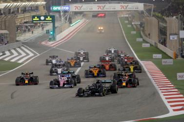 Bahreini Nagydíj: Hamilton nyert, Grosjean borzalmas balesetet szenvedett