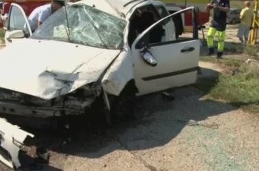 Menet közben vált le a furgon pótkocsija, súlyos baleset lett a vége
