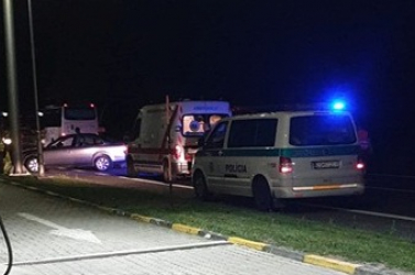 Két személykocsi karambolozott a sárosfai benzinkútnál a 63-ason!