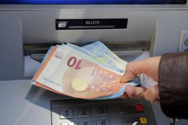Elképesztő trükkel szerezte meg egy nő bankkátyáját egy pozsonyi tolvaj!