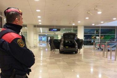 Elfogtak két albánt, akik terrortámadást követtek ela barcelonai repülőtéren
