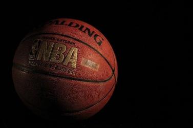 NBA - Tovább menetel a címvédő Lakers