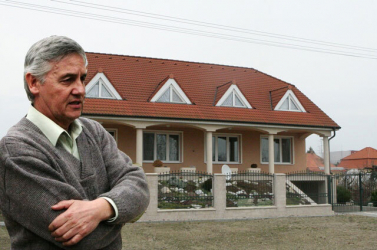 Elkezdődött a Basternák-gyilkosság tárgyalása, Zsuzsováék tagadnak