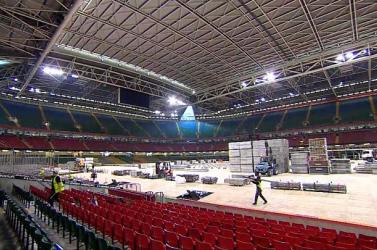 """""""Fesztiválépítők""""segítségével alakítanak kórházzá egy stadiont Cardiffban"""