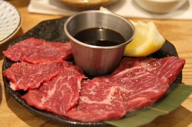 Laboratóriumban állítottak elő a világ legdrágább marhahúsát