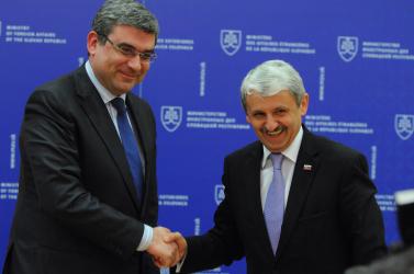 Dzurinda támogatja Románia schengeni csatlakozását