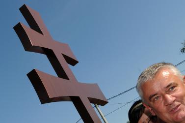 Kivenné a szlovákiai önkormányzatok kezéből a szoborállítás jogát az SNS