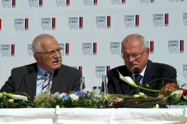 Klaus-KDH-MKP: Megkérdőjelezhetőek a Beneš-dekrétumok?