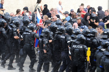 Épp oly elhibázott volt a neonácik elleni rendőri beavatkozás, mint a dunaszerdahelyi?
