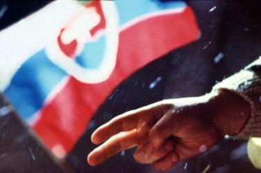 November 17. - Zajac: Prágával ellentétben a szlovákiai események egy csapat erején alapultak
