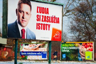 Zmajkovičová félévet adna a politikusoknak