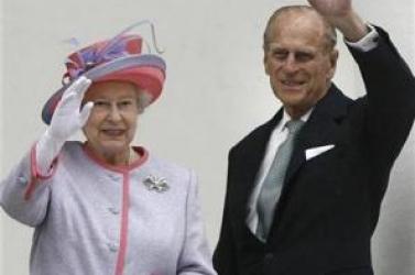 Ahol még a királynő is gyalog jár