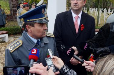 Távozik a szlovák hadsereg vezérkari főnöke, mert összeveszett Fico védelmi miniszterével?