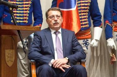 Paška több ezer euróért cenzúrázott