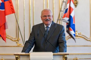 Gašparovič ratifikálta az euró-mentőcsomagot