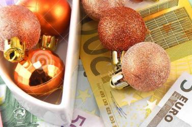 FELMÉRÉS: Az idei karácsony csaknem 400 euróba fog kerülni a szlovákiai háztartásoknak