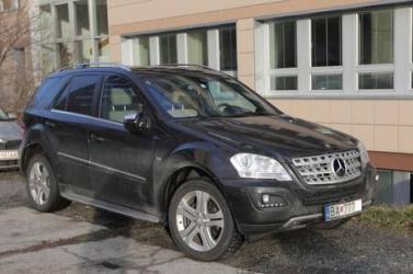 Mercedes terepjáróra is jut az orvosok béremelését kiharcoló Marian Kollárnak
