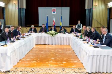 Csallóközi és mátyusföldi községeknek is jutott a kormány által osztott támogatásokból