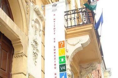 Megbénult a pozsonyi magyar kulturális intézet
