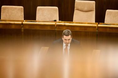 Következetes ellenzéki politikára készül az OKS, Dostállal az élén