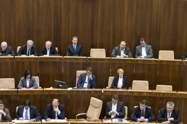 Több mint egy napja tart a kormányfő leváltásáról szóló rendkívüli ülés, akár hétfőig is elhúzódhat