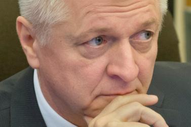 """60 milliós """"apróságért"""" menesztené az ellenzék a gazdasági minisztert"""
