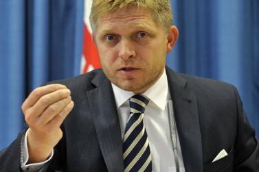 Szlovák Gázművek-botrány: Fico felemelné a szőnyeget, amely alá ő söpörte be a piszkot
