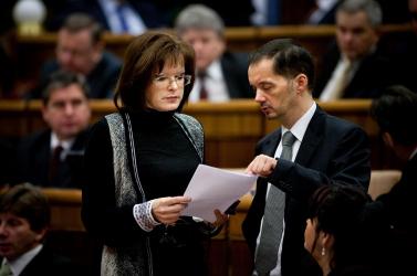 Belousovová: Szegedi Csanád kijelentéseivel minden ötödik magyar egyetért
