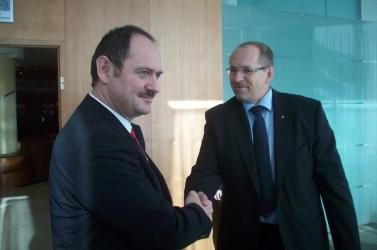 Simon Zsolt cseh kollégájával tárgyalt
