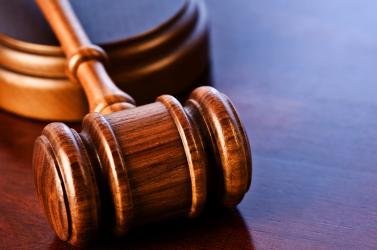 Felismerte vasrudas támadóját, de több mint négy éve jogerős ítéletre vár a nagyudvarnoki B. János!